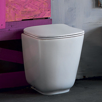 Kerasan Tribeca Унитаз напольный пристенный 55х35см безободковыйс системой экономии воды 3л, c креплением WB5N, цвет: белый с сиденьем белым микролифт