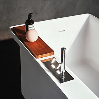 Agape Square Смеситель на борт ванны, с двумя джойстиками, ручным душем и шлангом, цвет: полированная сталь