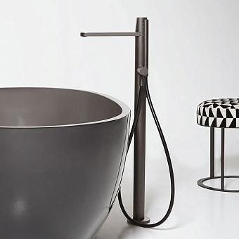 Antonio Lupi Indigo Смеситель для ванны, напольный, с ручным душем, на 1 отв., излив: 285мм, цвет: графит